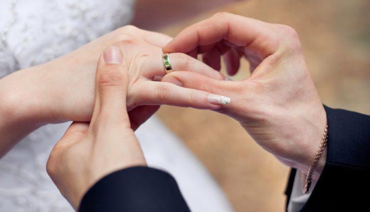 wedding-ring-exchange-lovely-twende-harusini-wedding-ring-ceremony-vows-of-wedding-ring-exchange