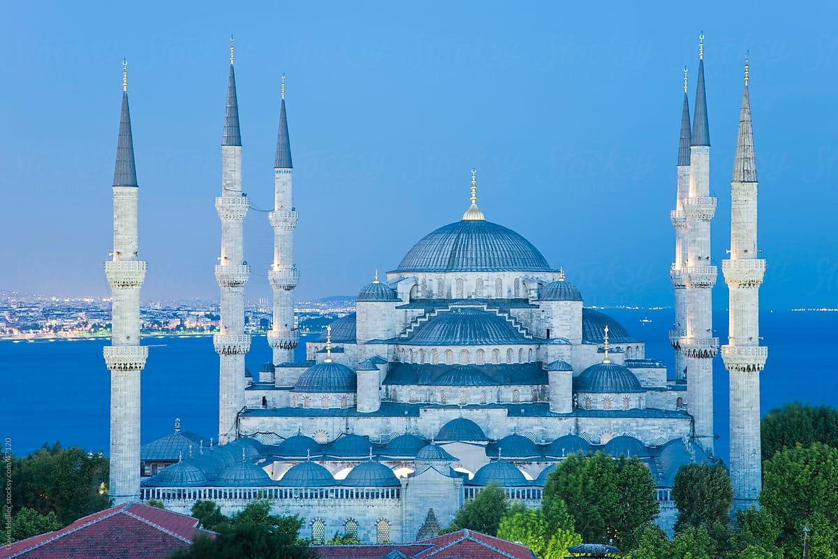 Blue Mosque (Sultan Ahmet Camii) - Fajar Magazine